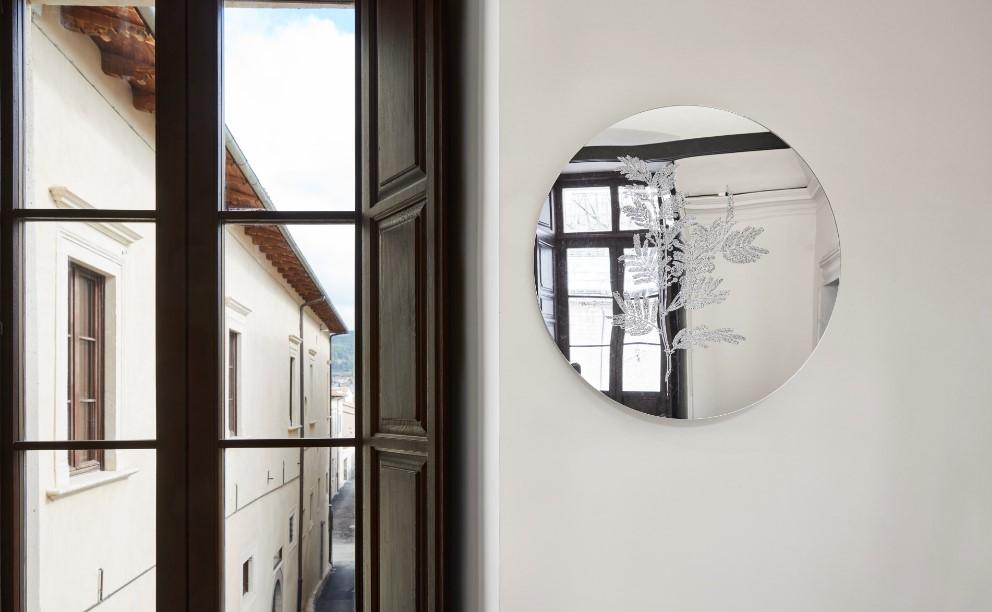 Palazzo Ardinghelli, allestimento Punto di equilibrio, dettaglio Anastasia Potemkina – Untitled, 2018-20. Foto Agostino Osio – AltoPiano